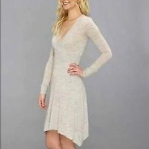 🐑 BCBG MAXAZRIA Merino Wool Sandra Dress